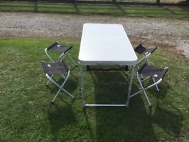 SUNNCAMP PICNIC TABLE AND CHAIRS
