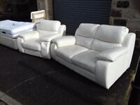 Stunning White Italiian leather Sofa in Nice condition, FREE delivery