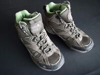 Regatta Isotex Walking Boots EU30 UK11 Boxed - Barely used