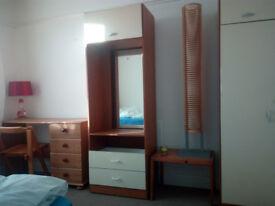 Room for rent- Tile Hill.