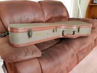 Tweed acoustic guitar hard case