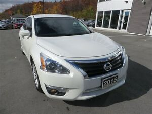 2015 Nissan Altima 2.5 S *Bluetooth! *Backup Camera! *Remote Sta