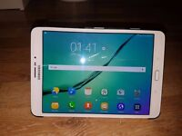 Samsung galaxy Tab S 2 4G unlocked (White) with cover