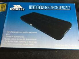 Trespass flocked single airbed