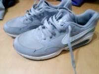 Grey nike air size 5.5