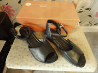BNIB ladies shoes clarks sandals size 7