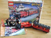 Harry Potter Lego Set 4708 - Hogwarts Express & Platform 9 3/4