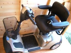 A LARGE MOBILITY SCOOTER CARRY WEIGHT UP TO 20st AS BRAND NEW