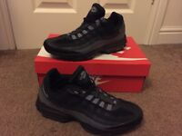 Nike air max trainers (size 7)