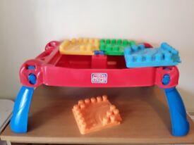 Mega bloks building table