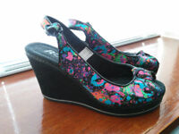 Women's Rocket dog shoes Size 5