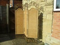 Shabby Chic Farmhouse Country Rattan Room Divider / Privacy Screen .
