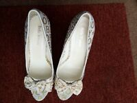 Ladies shoes gold white size 38