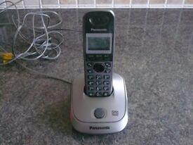Panasonic Phone KX-TG2521E