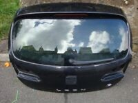 SEAT LEON FR TAILGATE WITH GLASS AND SHELL ONLY IN BLACK (2005-2009)