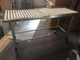 STAINLESS STEEL DISHWASH TABLING WITH ROLLERS