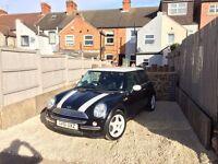 Black & White Mini 1 for sale, 9 months MOT, great little car