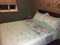 DOUBLE ROOM TO RENT BILLS INCLUDED. MONTHS RENT IN ADVANCE **NO DSS**