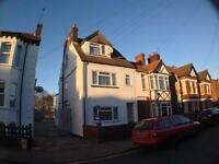 1 bedroom flat in Clarendon Road, Town