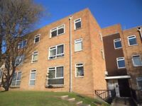 NEWLY DECORATED STUDIO FLAT IN SOUGHT AFTER LOCATION CLOSE TO QUEENS PARK