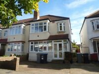**NEW TO THE MARKET**LOVELY, SPACIOUS ONE DOUBLE BEDROOM FLAT TO RENT IN STANMORE**£220 PER WEEK**