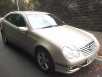 Mercedes C180 Kompressor SE 2dr Coupe Auto in Gold 2004 73,000 miles. New Mot