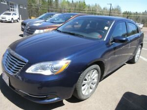 2013 Chrysler 200 LX- ALLOY WHEELS! ONLY 67K! SAVE!