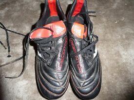 Adidas predator football boots size 8