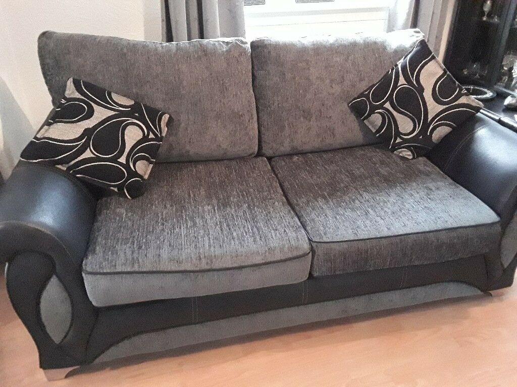 Gorgeous 3 setter settee for sale, as new, have to sell it to make space for wheelchair