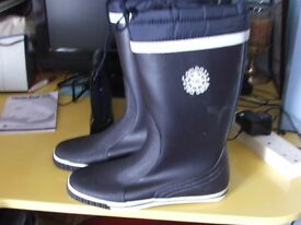 compass seagear sailing boots