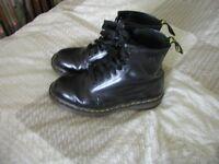 doc marten air wear boots size 9 as new