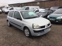 RENAULT CLIO 1149 cc ENGINE IN VERY CLEAN CONDITION LOW MILES 1YRS MOT ELECTRIC WINDOWS SUNROOF .