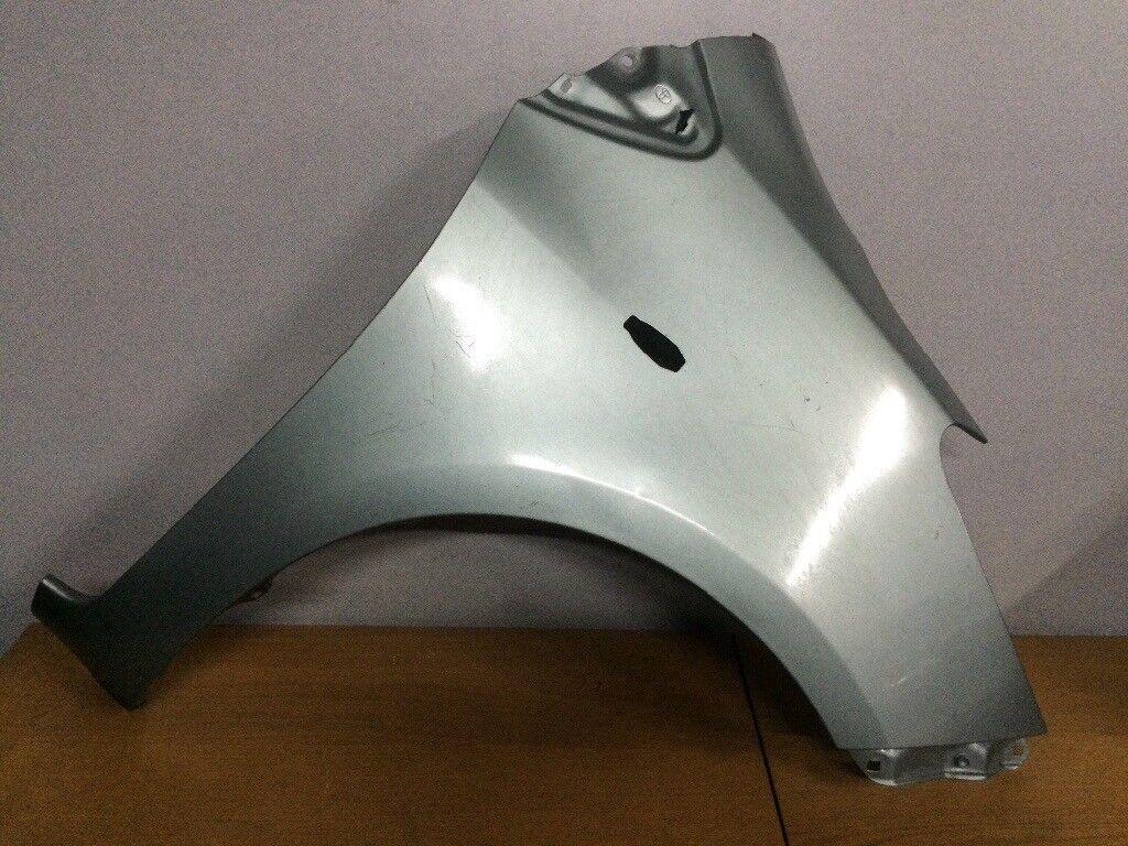 Toyota Yaris o/s wing 06-12