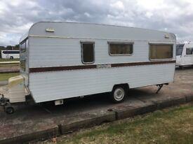French vintage caravan 5/6 person La Boheme / lamancelle