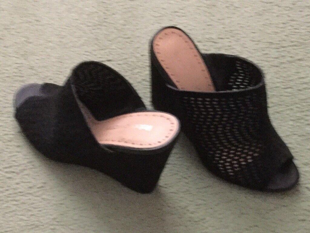 Black Roberto Vianni wedge sandals