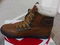 Fitflop Hyka brown leather boots size 5