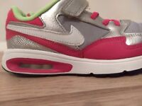 Nike airmax in size 2 uk used nice very clean condition