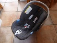 Cybex (for Mama and Papas) Infant car seat, including Isofix base