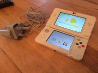 Nintendo New 3DS white mint condition with charger