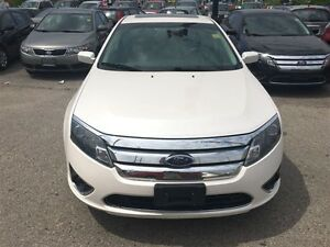 2010 Ford Fusion SEL 3.0L V6 * AWD * LEATHER * POWER ROOF London Ontario image 3