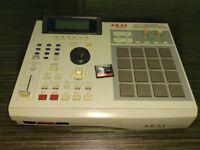 Akai MPC 2000XL 32mb, CF card drive, 8 outputs