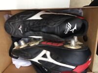Boys Rugby boots, size 9, excellent condition, barely used