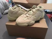 Yeezy 500 super moon size 9