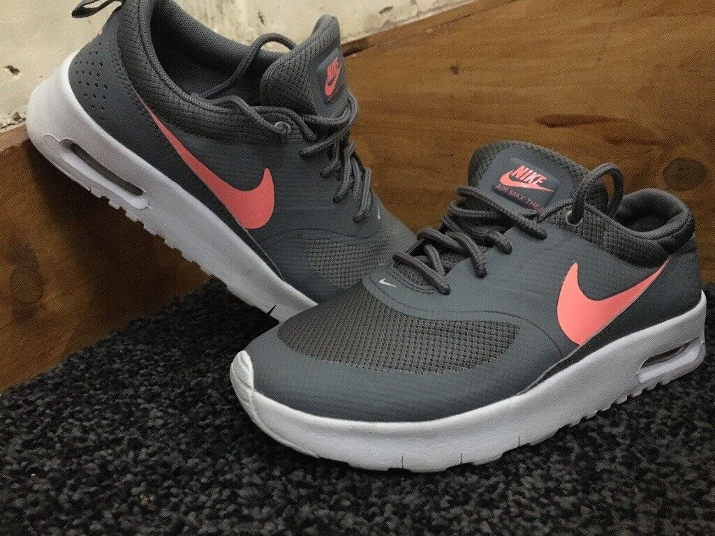 1a34d7ed0c71 Girls Nike Air Max Thea Trainers size 1 grey and pink peach
