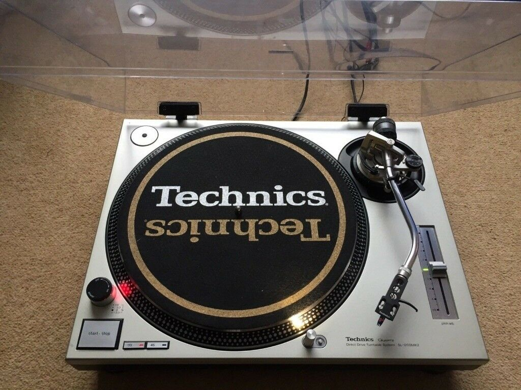 1 X Technics SL-1200 Mk2 Turntable With Original