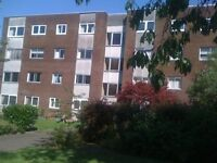 HOLIDAY 2 BEDROOMS FLAT AVAILABLLE FOR SHORT / LONG TERM NEAR CITY CENTRE GLASGOW, VERY NICE AREA