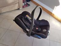 Maxi-Cosi Cabriofix Group 0+ car seat (includes infant insert and rain cover) baby/travel/system