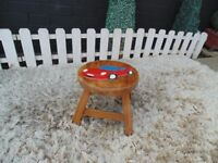 CHILDREN'S SOLID PINE STOOL WITH HANDMADE DESIGN VERY SOLID AND COMFORTABLE