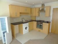 GROUND FLOOR 2 BEDROOM FLAT IN CHARMINSTER - £750PCM - MODERN PROPERTY - ALLOCATED OFF ROAD PARKING