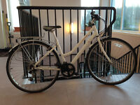 """Revolution Streetfinder Women's Bike 17"""""""
